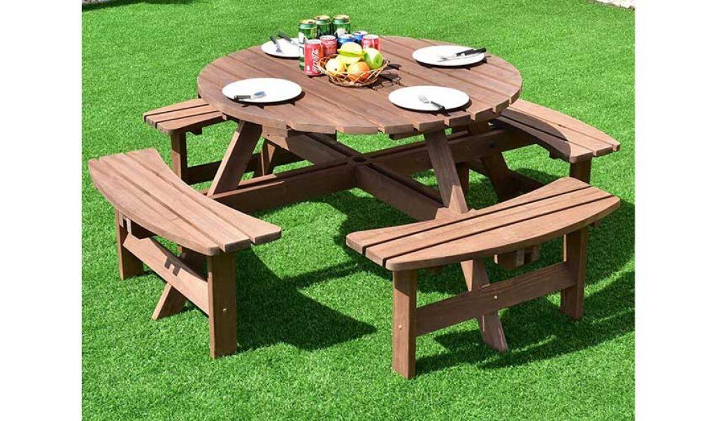 4. Giantex Wooden Picnic Table
